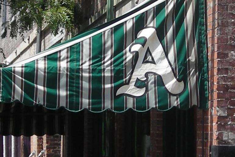 Arnold's Bar & Grill Photo #0