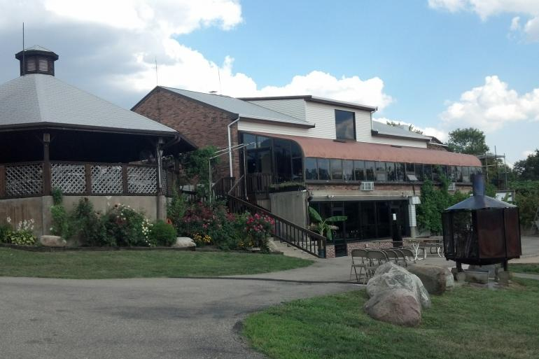 Vinoklet Winery and Restaurant Photo #2