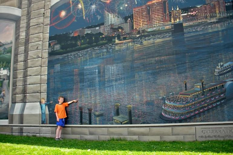 Riverfront Floodwall Mural Tour Photo #0