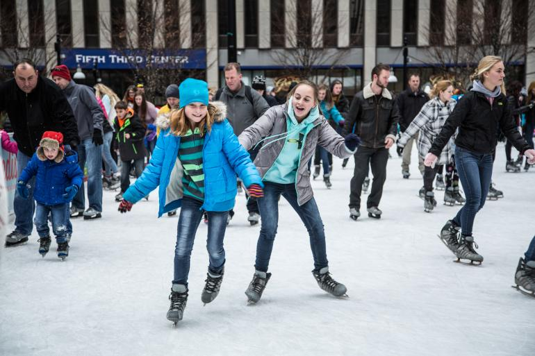 Fountain Square Ice Rink Photo #4