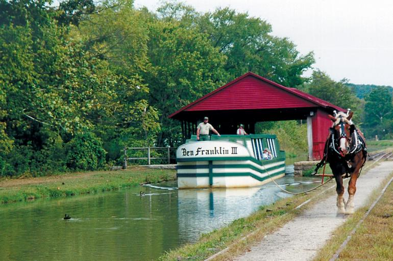Metamora's Horse-Drawn Canal Boat Photo #0