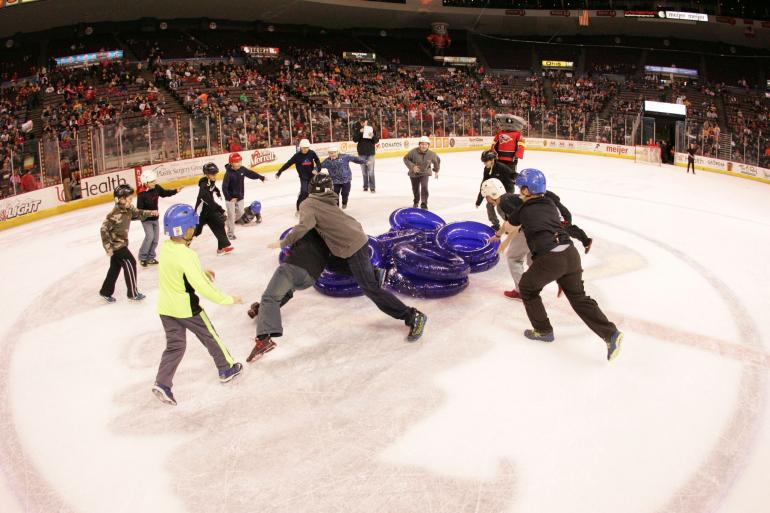 Cincinnati Cyclones Hockey Photo #5