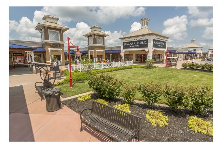 Tanger Outlets-Jeffersonville Photo #1