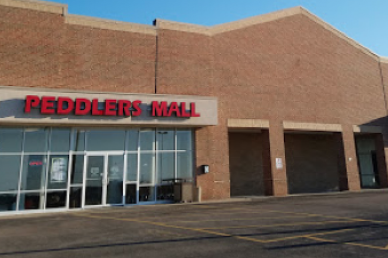 Peddlers Mall Photo #4