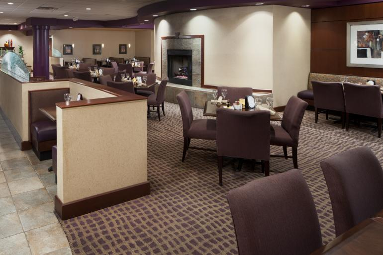 DoubleTree Suites by Hilton Cincinnati Blue Ash Photo #4
