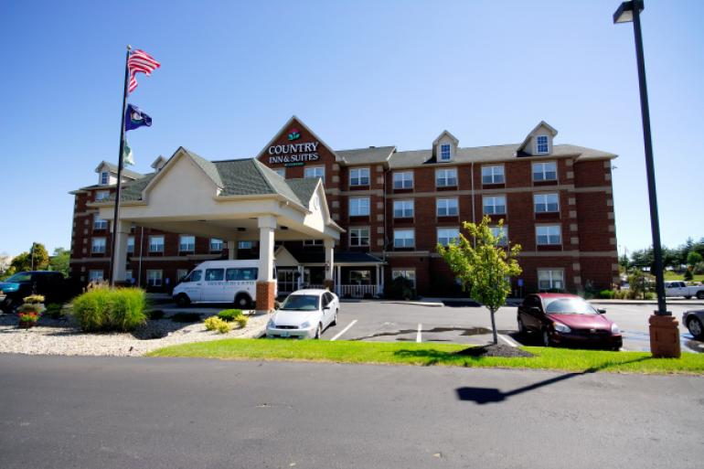 Country Inn and Suites Cincinnati Airport Photo #0
