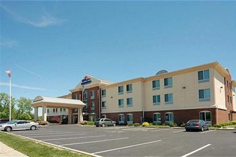 Holiday Inn Express Hotel and Suites Blue Ash Photo #0