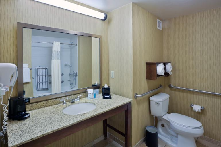 Hampton Inn and Suites Uptown University Area Photo #3
