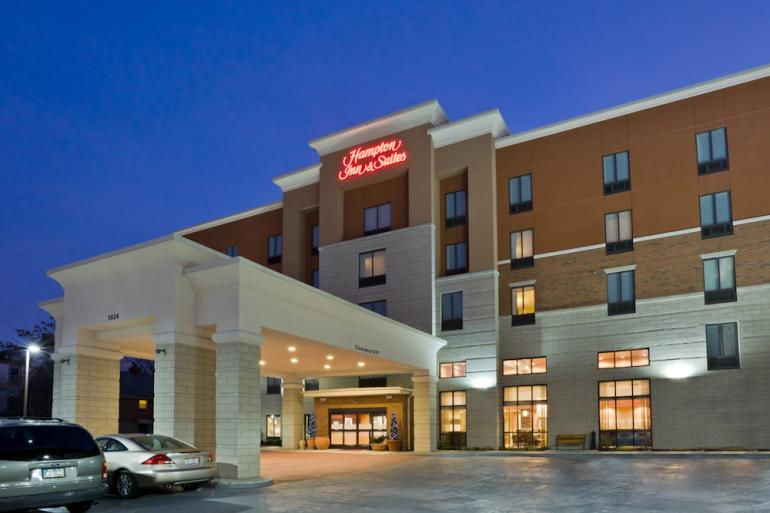 Hampton Inn and Suites Uptown University Area Photo #4