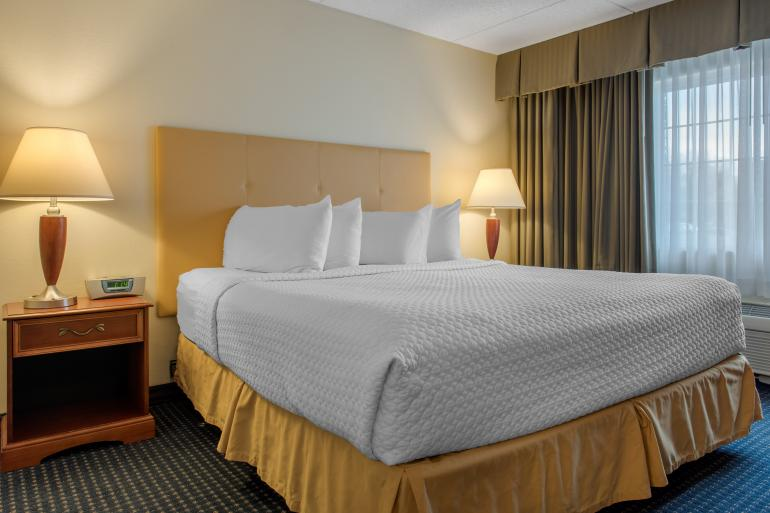 Quality Hotel Cincinnati Blue Ash Photo #2