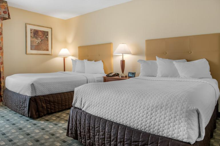 Quality Hotel Cincinnati Blue Ash Photo #4