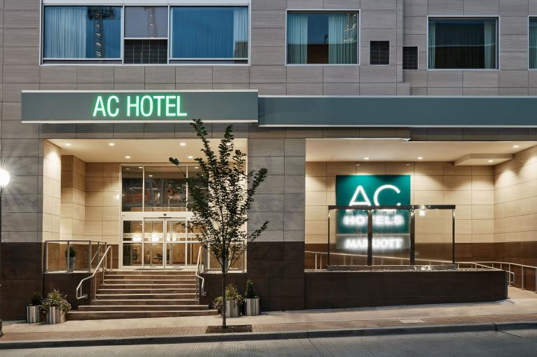 AC Hotel Cincinnati at The Banks Photo #27
