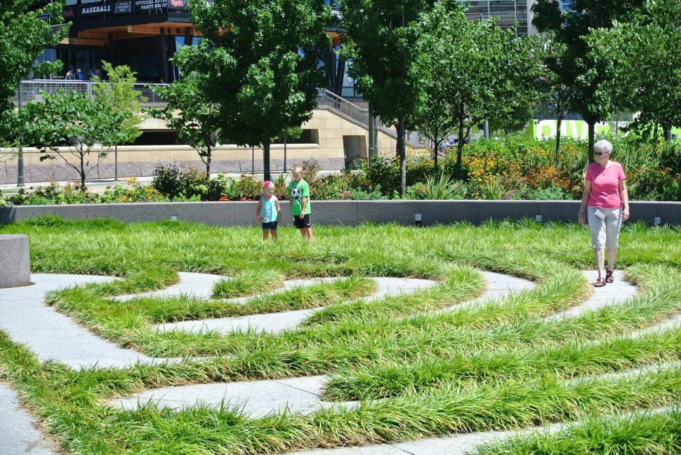 Labyrinth at Smale Riverfront Park (photo: Laura Hoevener)
