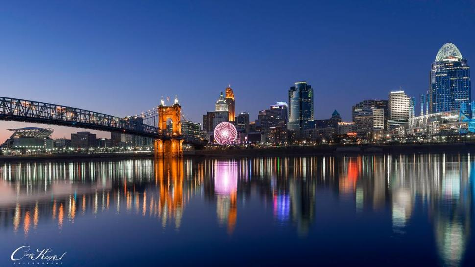 Cincinnati skyline (photo: @joe_qasim)