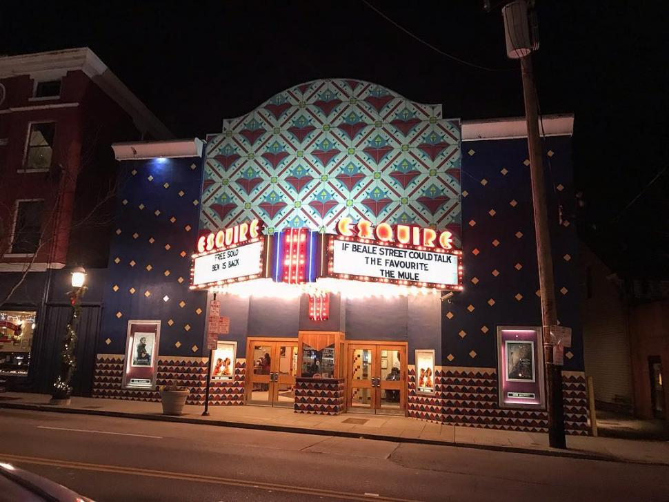 Esquire Theatre (photo: @themadgabber)