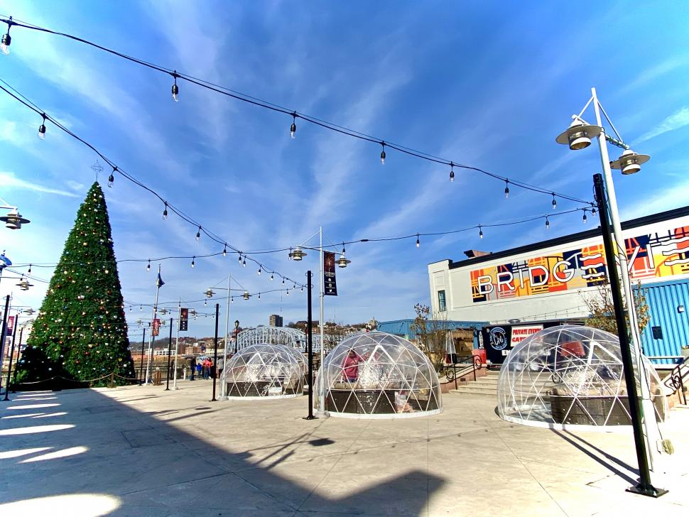 Igloos and holiday tree at Newport on the Levee (photo: Lisa K. Colina)