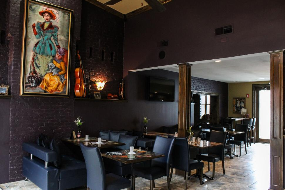 Jazz lounge at Symphony Hotel and Restaurant (photo: Symphony Hotel and Restaurant)