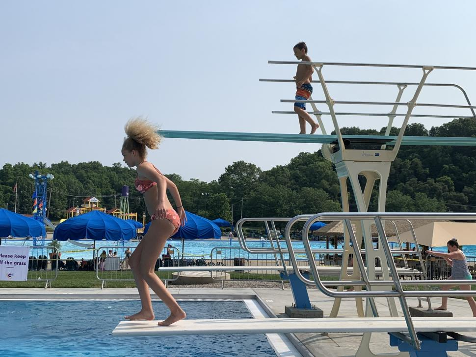 Kids jumping off diving boards at Cannonball Cove at Coney Island (Photo: Coney Island)