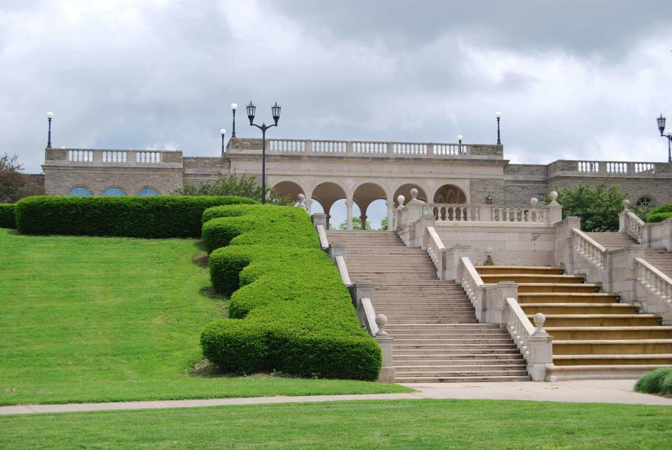 staircase and hedges in Ault Park