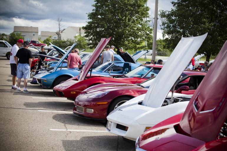 Classic Car Cruise-In and Farmers Market | North Cincinnati