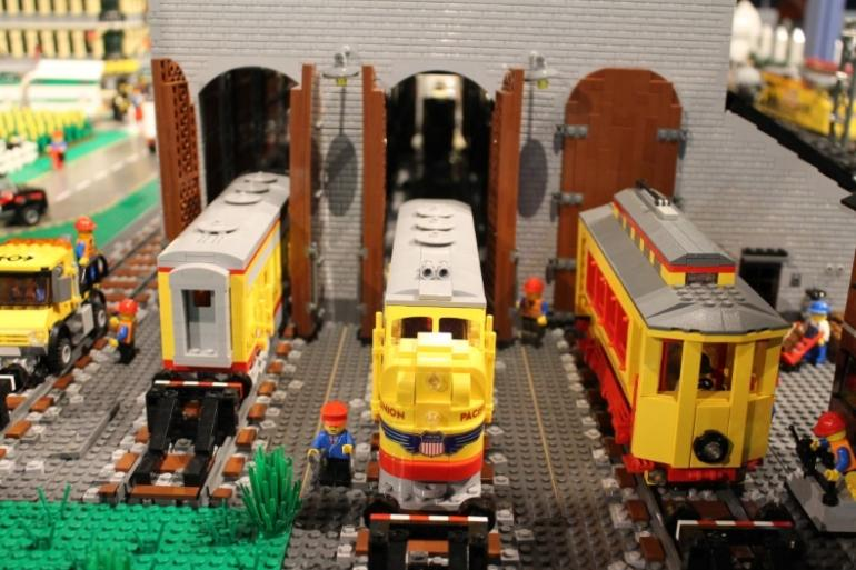 Holiday Junction featuring Brickopolis Photo #2