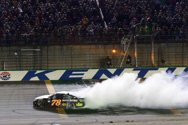 NASCAR Racing at Kentucky Speedway Photo #0