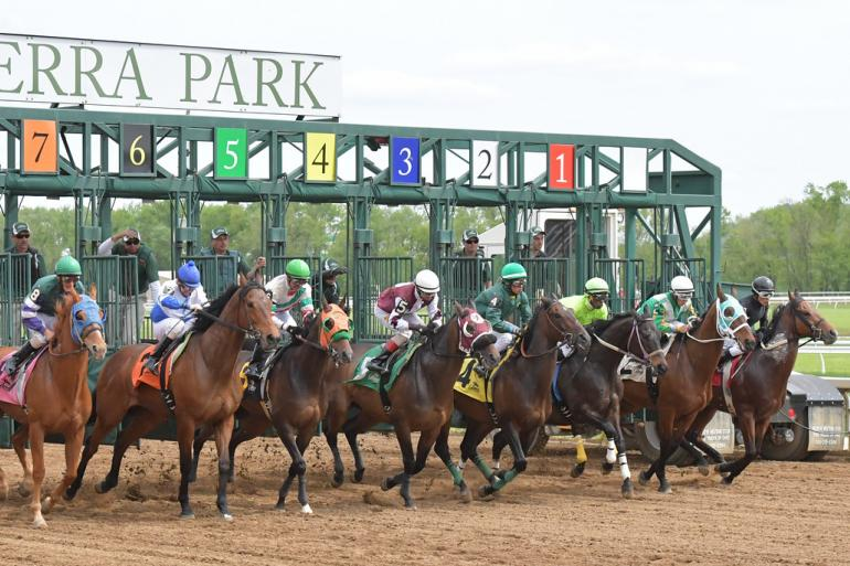 Opening Race Day at Belterra Park Photo #0