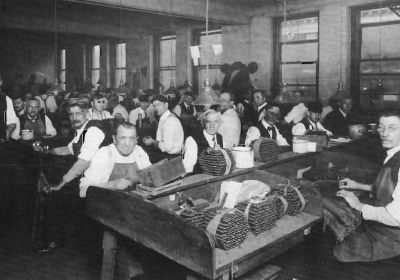 Cigar Workers (photo: Over the rhine museum)