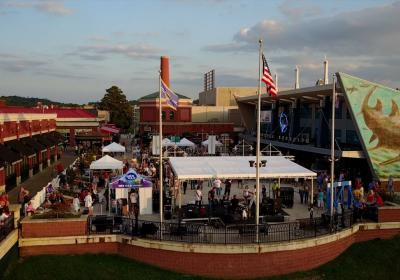 Summer Music on the Levee