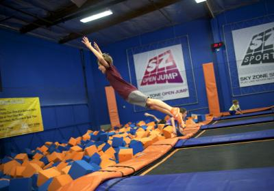 sky zone springdale north cincinnati outdoors recreation recreational activities. Black Bedroom Furniture Sets. Home Design Ideas