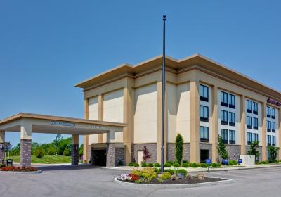 Exterior (photo: Hampton Inn Cincinnati Airport South)