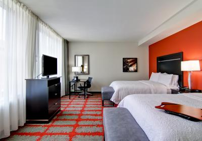 Hampton Downtown Cincinnati Room