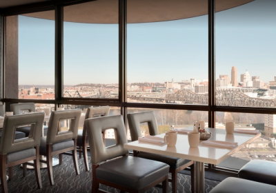 Radisson Dining Room(photo: Radisson Hotel Cincinnati Riverfront)