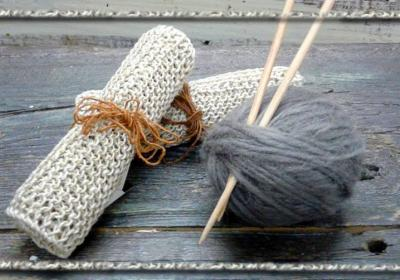 Artisan's Apprentice: Learn to Knit!