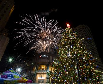 Macy's Light Up the Square on Fountain Square